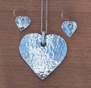 Heart pendant + earrings